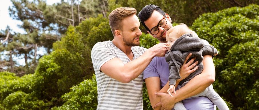 couple-gay-parents-par-gpa